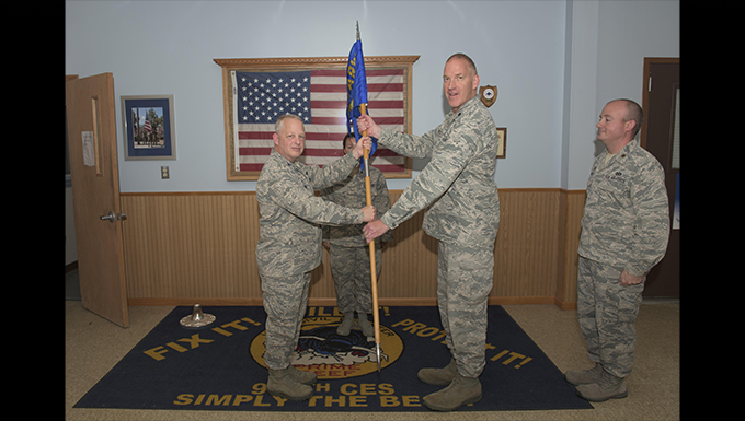 Bednarczyk takes command of 914 CES