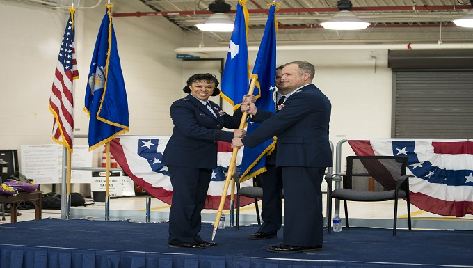 Col. Brian Bowman takes command of the 914 AW