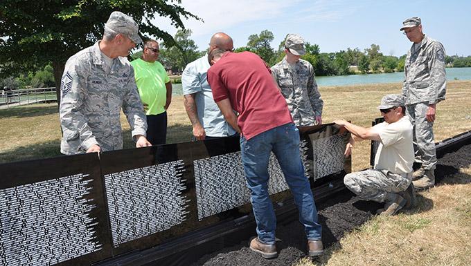 Niagara Airmen help assemble Vietnam Traveling Wall