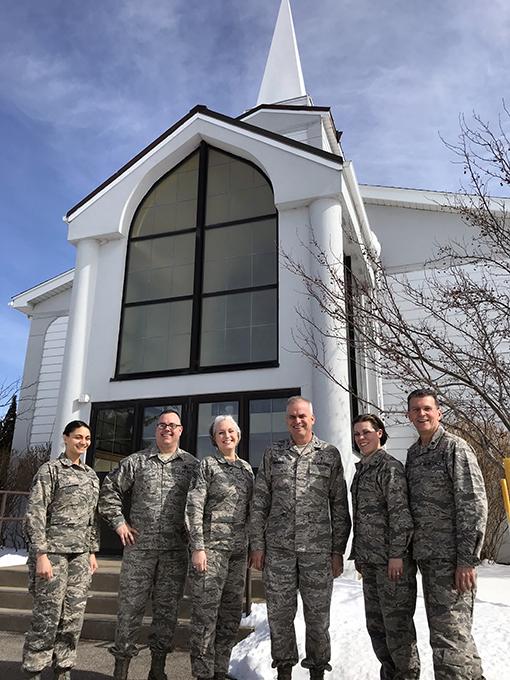 Command chaplain visits Niagara